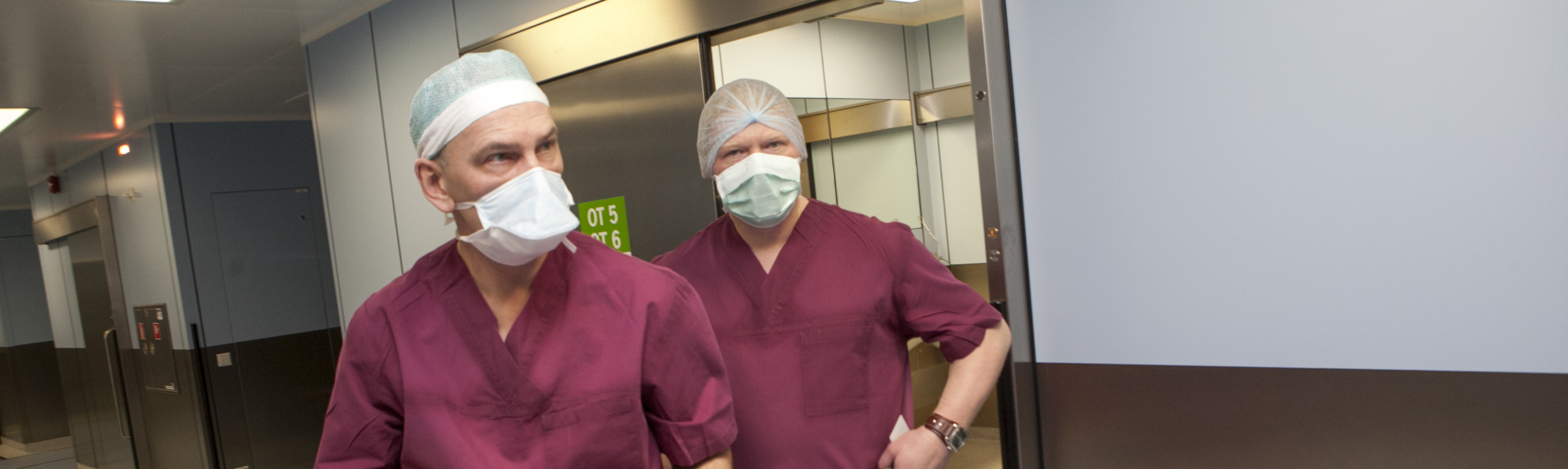 Dr Ülo Zirel ja dr Peep Baum pärast õnnestunud operatsiooni