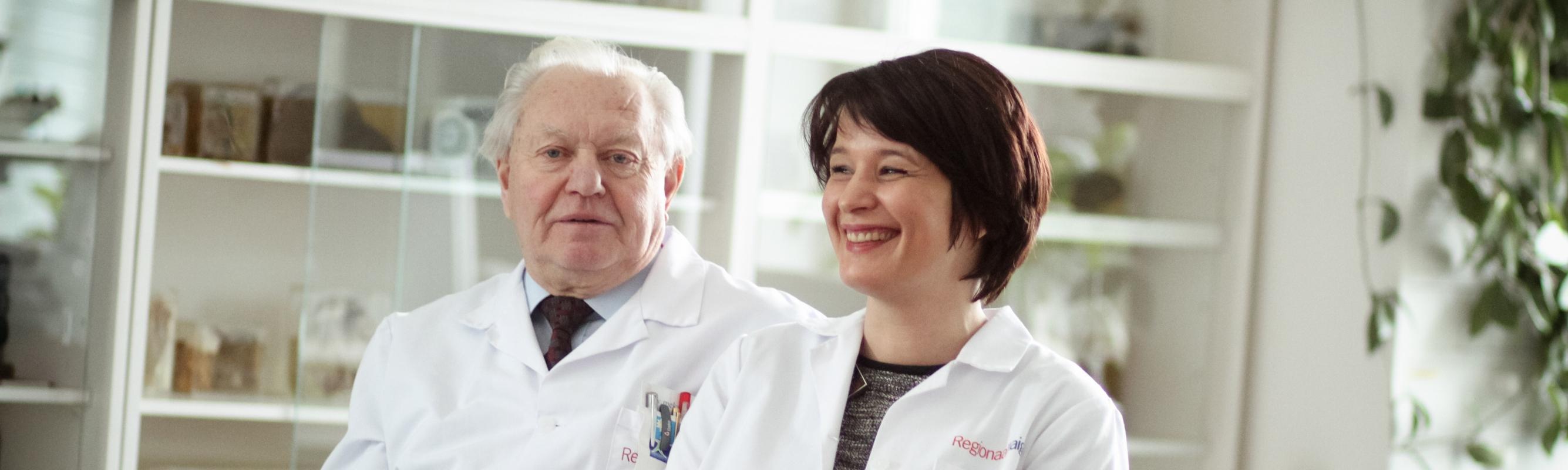 Patoloog dr Enn Jõeste ja keskuse juhataja dr Tiina Leismann