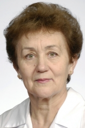 dr Erna Saarniit