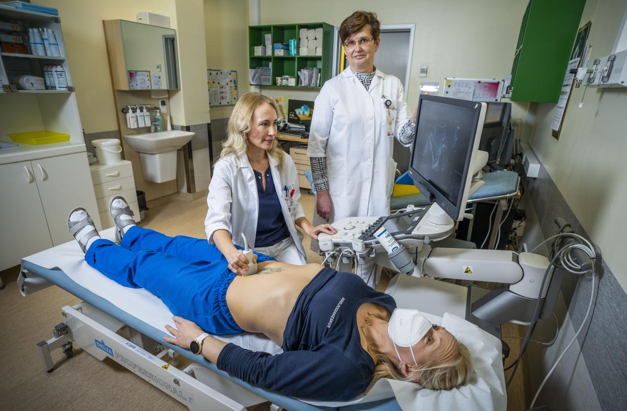 Regionaalhaiglas teostavad IOTA (International Ovarian Tumour Analysis) munasarjamoodustiste ultraheli diagnostikat naistearst dr Olesja Vellend ja radioloog dr Jelena Gavrilkina.