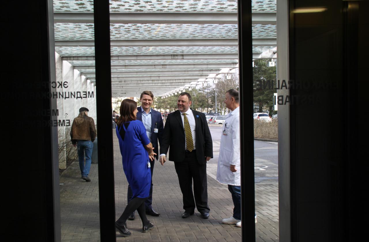 Rahandusminister Sven Sester Regionaalhaigla juhatusega kohtumas