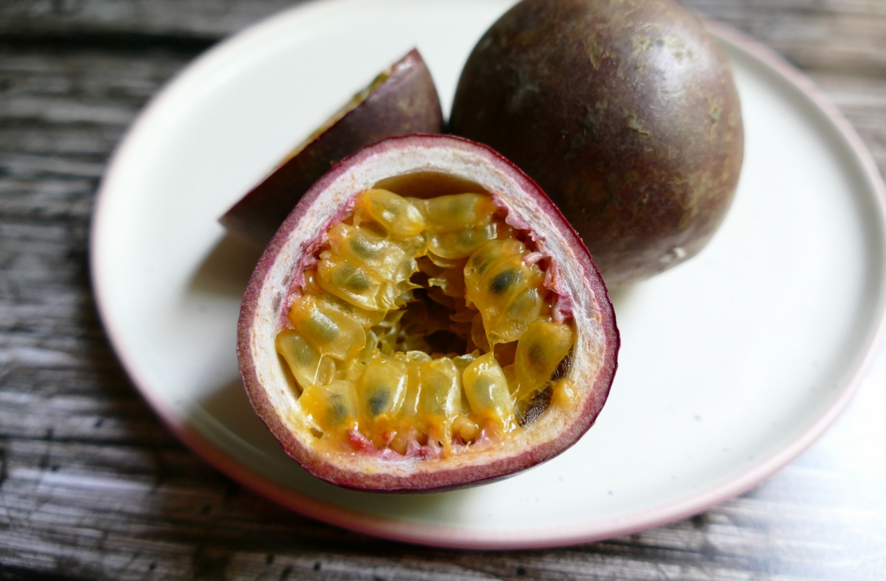 passion-fruit-3519303_1920.jpg