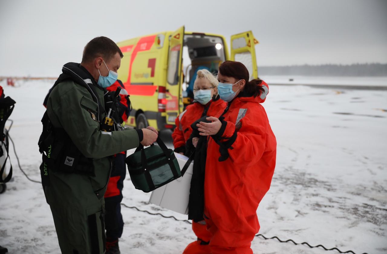 Regionaalhaigla vaktsineeris Ruhnu saarel tervishoiutöötajaid ja elanikke