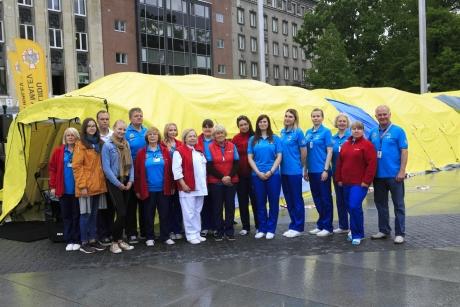 Regionaalhaigla verekeskuse meeskond Tallinnas Vabaduse väljakul